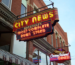 Neon signs, Mansfield, Ohio - City News and Co...