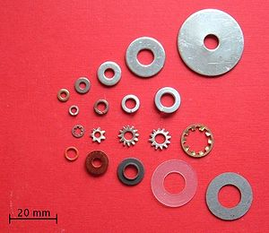 Assorted washers: flat, split, star and insulated